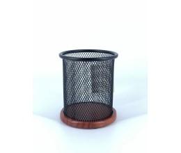 كأس أقلام بقاعدة من الخشب والكأس معدن لون أسود
